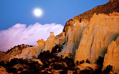 Kodachrome Basin Photograph - Moonrise Over The Kaiparowits Plateau Utah by Ed  Riche