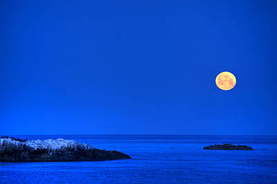 Photograph - Moonset Over Pacific Ocean by Cliff Wassmann