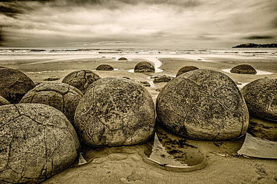 Painting - Moreaki Boulders #1 by Judith Barath