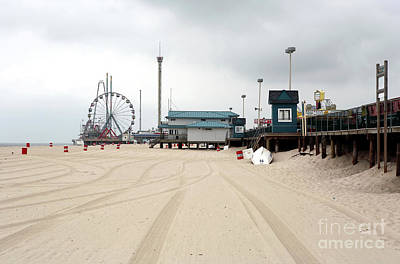 Morning At Seaside Heights Art Print by John Rizzuto