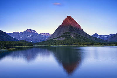 Morning In The Mountains Art Print by Andrew Soundarajan