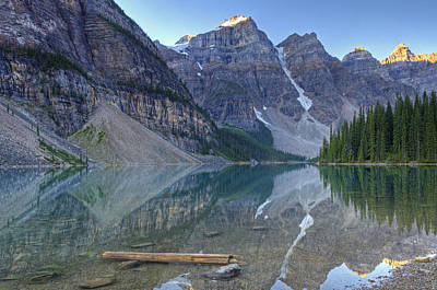 Morning Light On Moraine Lake Art Print by Darlene Bushue