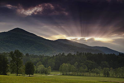 Cades Cove Photograph - Morning Rays by Andrew Soundarajan