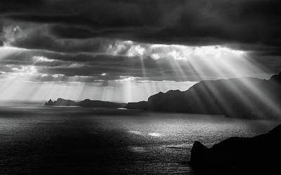 Sunrays Photograph - Morning Rays by Artfiction (andre Gehrmann)