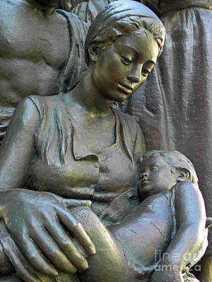 Photograph - Mother And Child by Elizabeth Hoskinson
