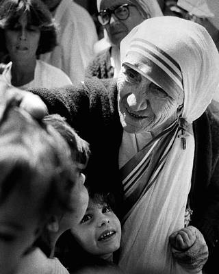 Vatican Photograph - Mother Teresa With Children by Retro Images Archive