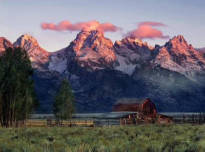 Mountain Photograph - Moulton Barn by Leland D Howard