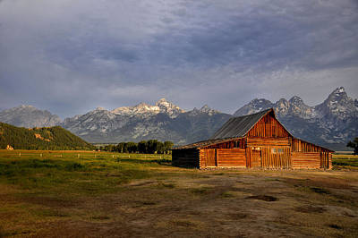 Photograph - Moulton's Barn by Rob Hemphill