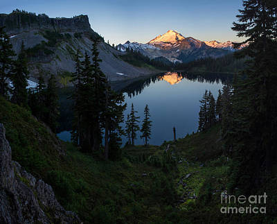 Table Mountain Photograph - Mount Baker Chain Lakes Awakening by Mike Reid