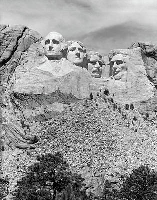 Mount Rushmore Photograph - Mount Rushmore South Dakota Usa by Vintage Images