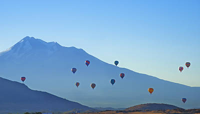 Photograph - Mount Shasta Balloonrise by Loree Johnson