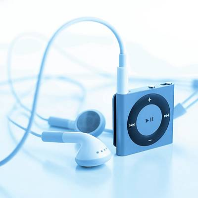 Music Ipod Photograph - Mp3 Player And Earphones by Science Photo Library