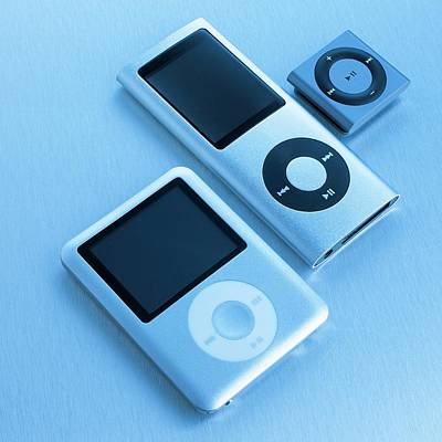 Music Ipod Photograph - Mp3 Players by Science Photo Library