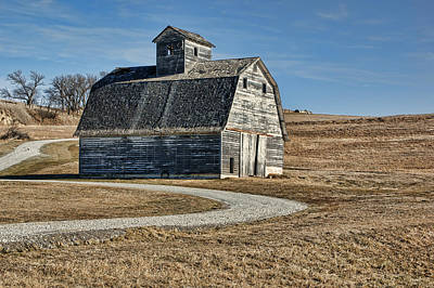 Iowa Farm Photograph - Mrs. Green's Barn by Nikolyn McDonald