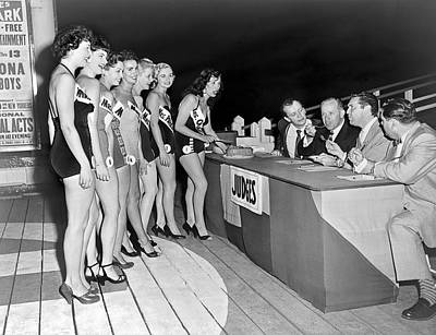One Piece Swimsuit Photograph - Mrs. New Jersey Contestants by Underwood Archives