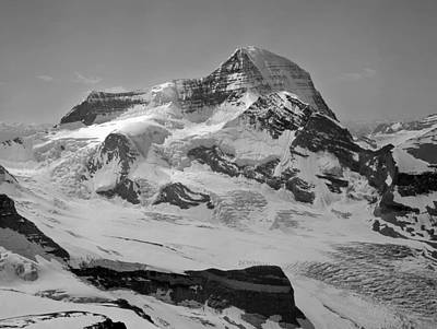 Photograph - 602419-bw-mt Robson W Robson Glacier by Ed  Cooper Photography