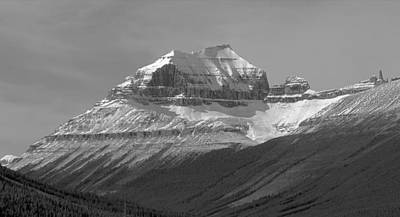Photograph - 1m3669-bw-mt Saskatchewan Seen From Se by Ed  Cooper Photography