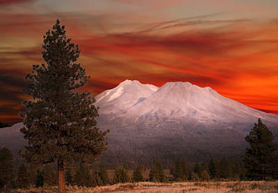 Mt Shasta Fire In The Sky Art Print