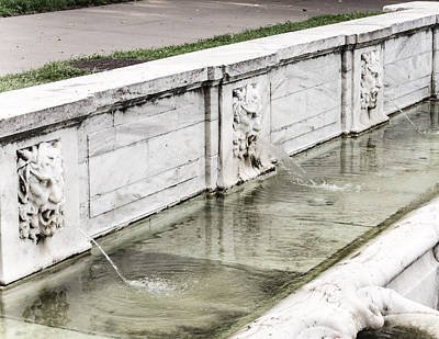 Photograph - Mt. Vernon Three Gods Fountain by Cara Moulds