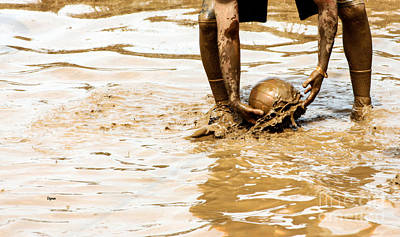 Action Photograph - Mud Ball by Steven Digman