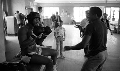 Muhammad Ali Guards Up Print by Retro Images Archive