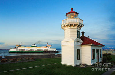 Red Roof Photograph - Mukilteo Ferry And Lighthouse by Inge Johnsson