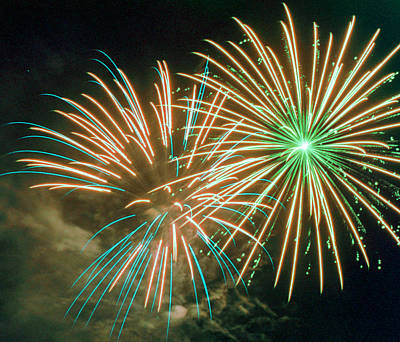 35mm Photograph - 4th Of July Fireworks 2 by Howard Tenke