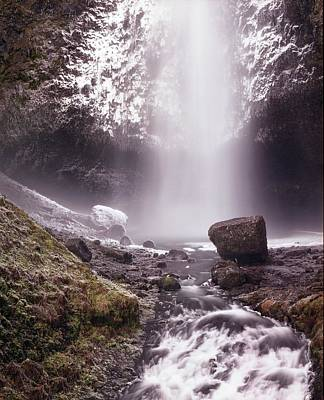 Multnomah Falls In Ice Art Print