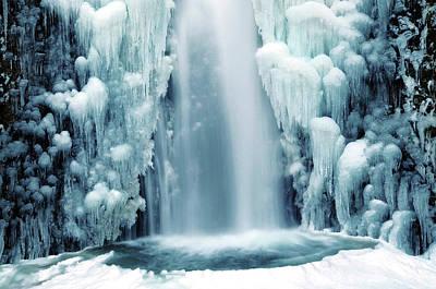 Multnomah Falls Photograph - Multnomah Falls In Winter by Michel Hersen