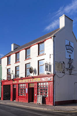 Photograph - Murphy's Pub On The Streets Of Dingle Ireland by Mark Tisdale