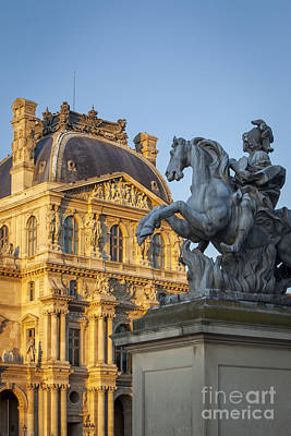 On Trend At The Pool - Musee du Louvre Statue by Brian Jannsen
