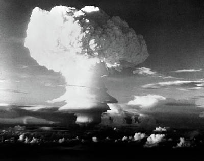 Atom Bomb Photograph - Mushroom Cloud From Atomic Bomb Set by Vintage Images