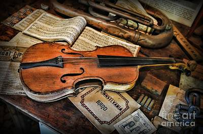 Music - The Violin Print by Paul Ward