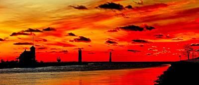 Muskegon Lighthouse Wall Art - Photograph - Muskegon Lighthouse Sunset by Nick Zelinsky