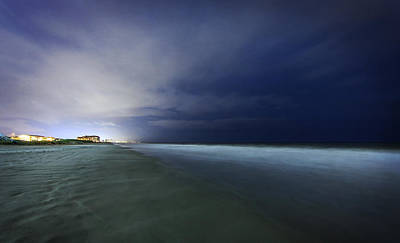 Myrtle Beach Ocean Photograph - Myrtle Beach Evening Shoreline by Everet Regal