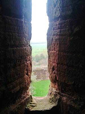 Kenilworth Castle Wall Art - Photograph - Narrow View by Gav