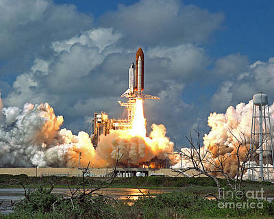 Photograph - Nasa Discovery Launch by Rod Jones