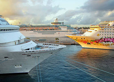 Photograph - Nassau's Busy Port by Bob Slitzan