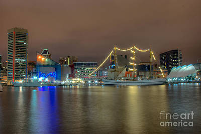 Photograph - National Aquarium And Ships by Mark Dodd