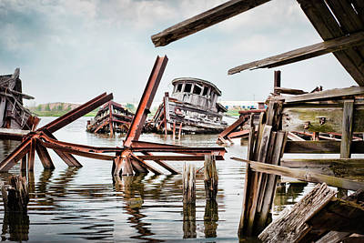 Photograph - Nautical - Shipwreck -twisted Grave by Gary Heller