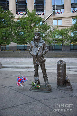 Travel - Navy Memorial by Carol Ailles