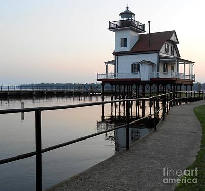 Photograph - North Carolina Lighthouse by L Cecka