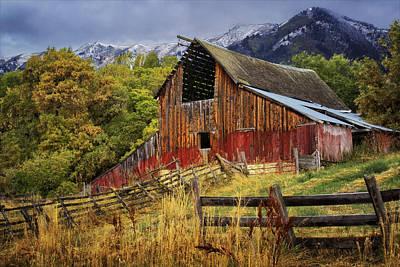 Photograph - Neff- Hardman Barn by Priscilla Burgers