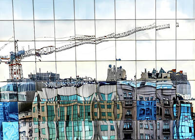 Crane Wall Art - Photograph - New City In Old City by ??mer Ate?? K??z??ltu??