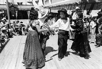 Mexican Fiesta Photograph - New Mexico Dance, 1940 by Granger