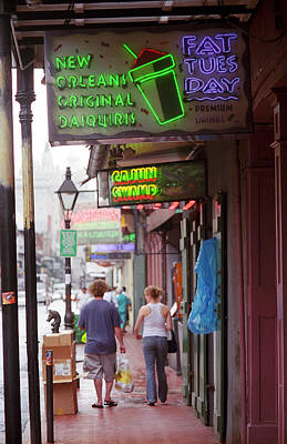 Photograph - New Orleans - Bourbon Street 33 by Frank Romeo