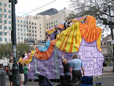 New Orleans - Mardi Gras Parades - 121269 Art Print by DC Photographer