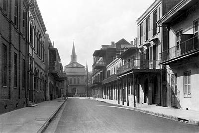 Empty Quarter Photograph - New Orleans Old French Quarter by Underwood Archives