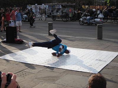 Performer Photograph - New Orleans - Street Performers - 121230 by DC Photographer