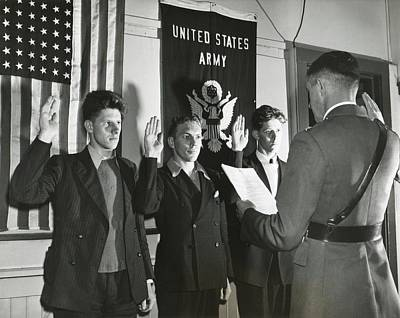New Recruits To The U.s. Army Taking Print by Everett
